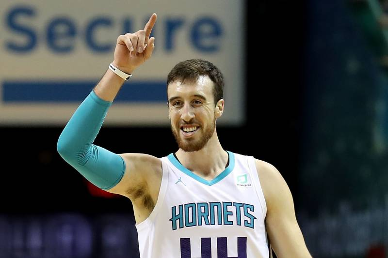 Frank Kaminsky Carries Baby Down 40-Plus Stories During High