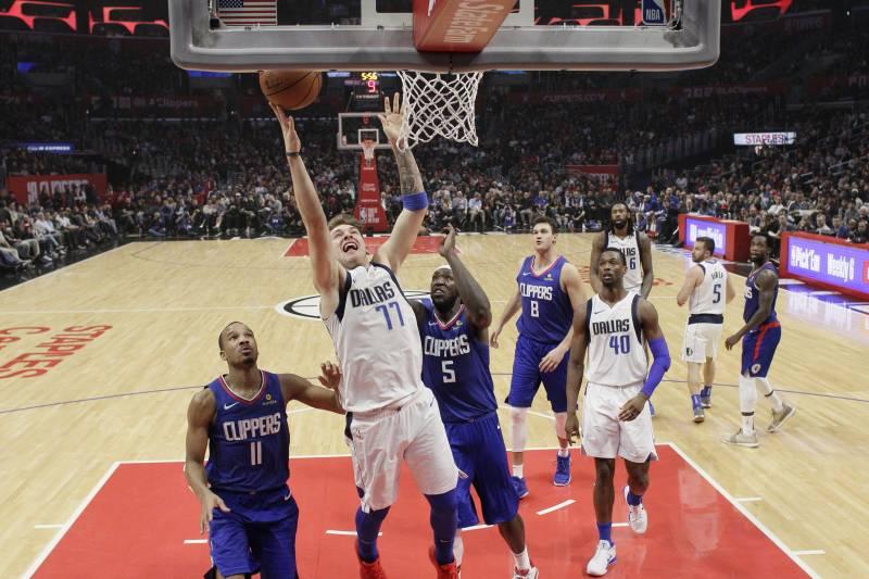 Clippers Beat Mavericks In Deandre Jordan S Return To La