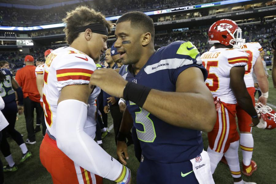buy popular 6ee9f ba8cb Seattle's Russell Wilson Outplays Patrick Mahomes and Enters ...