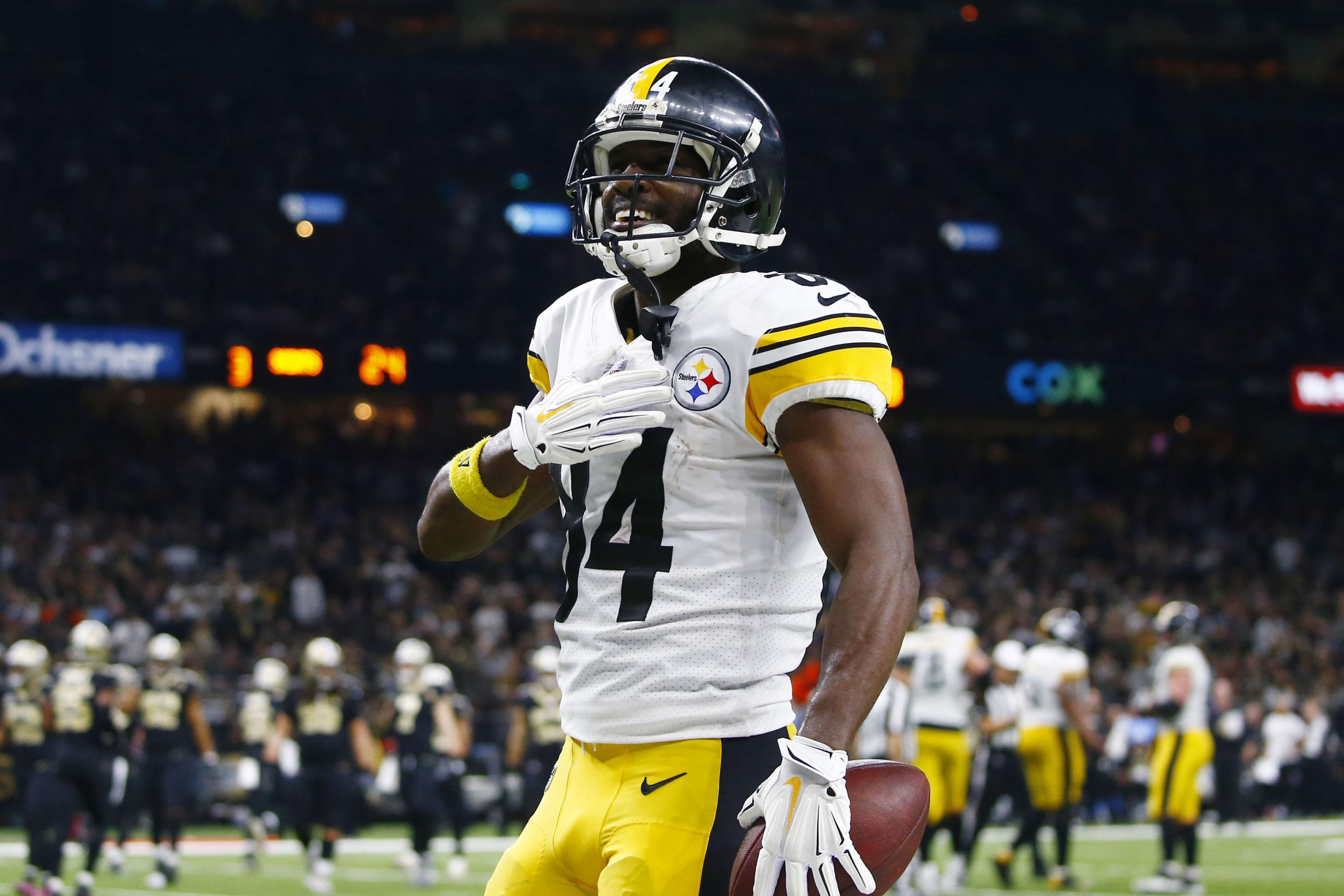 separation shoes 40a87 4ed80 Antonio Brown Posts Photo of 'Browns' Jerseys Ahead of CLE's ...