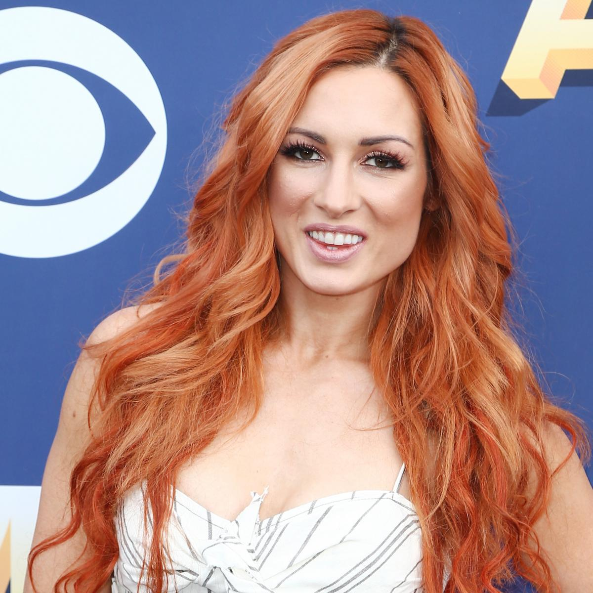 Play Media Logo Set: Becky Lynch Wants To Slap Ronda Rousey's 'Head Off'; Talks