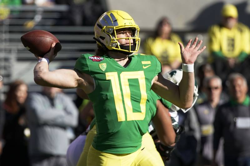 Oregon Earns Ugly 7 6 Win Over Michigan State In 2018 Redbox