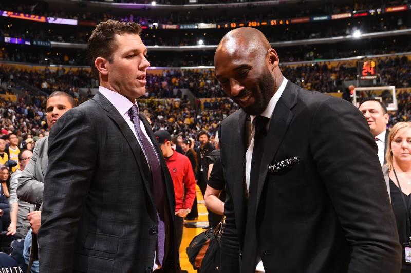 d07ea8014a3 Kobe Bryant Tells Fan Critical of Lakers  Luke Walton on Twitter to ...