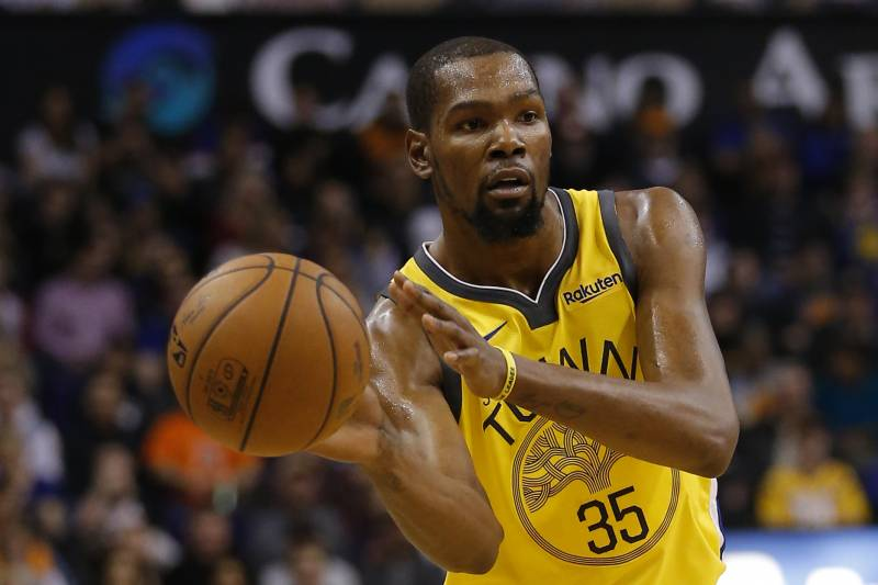 ba2a2b330fe Golden State Warriors forward Kevin Durant (35) in the first half during an  NBA