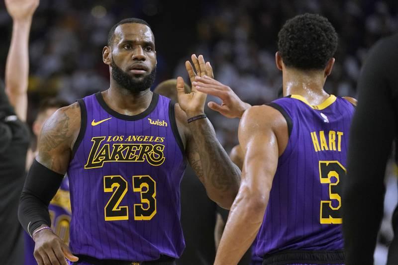 new arrivals 4da28 a83e8 Los Angeles Lakers forward LeBron James (23) high-fives Josh Hart (3