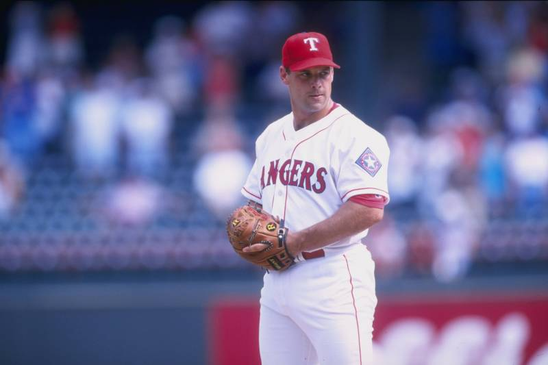 2b18dc2d14f 18 Jun 1998  John Wetteland  35 of the Texas Rangers in action during a