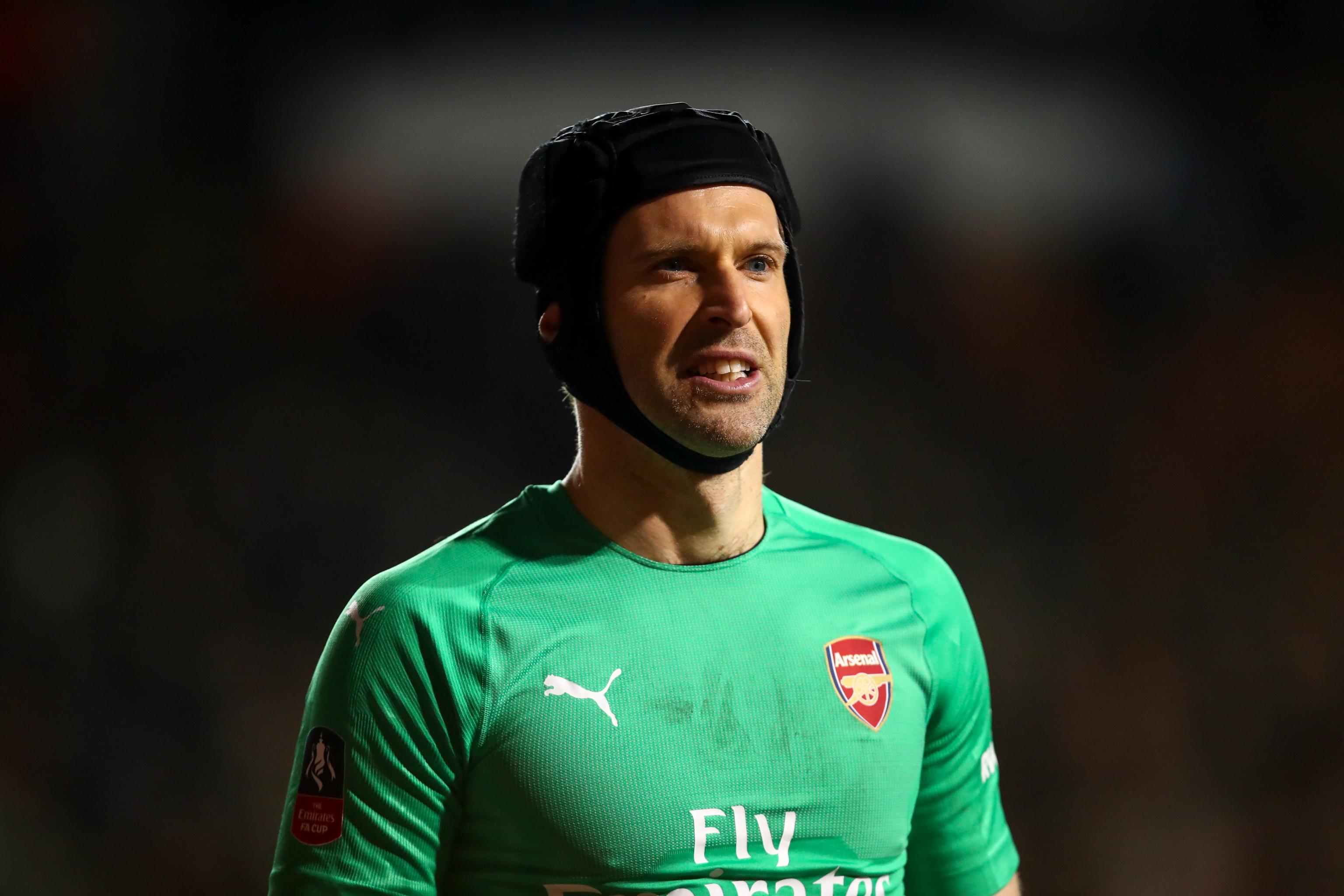 the best attitude 1837f bc01a Petr Cech 'One of the Greatest Goalkeepers,' Says NBA Player ...