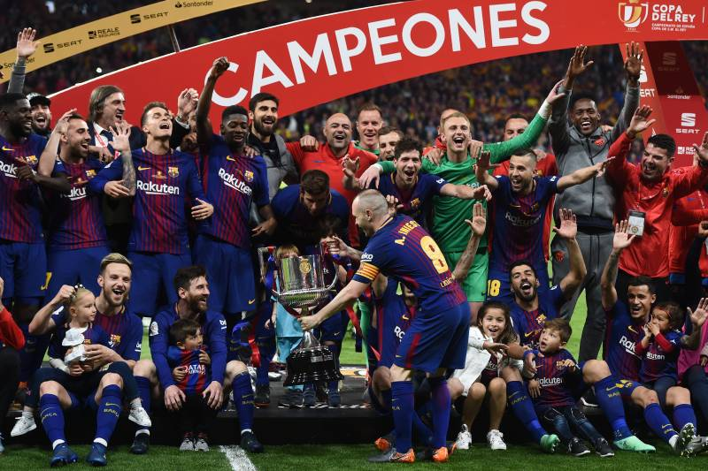 27e5ec183 MADRID, SPAIN - APRIL 21: Andres Iniesta of FC Barcelona shows the trophy  to. Denis Doyle/Getty Images. Defending Copa del Rey ...