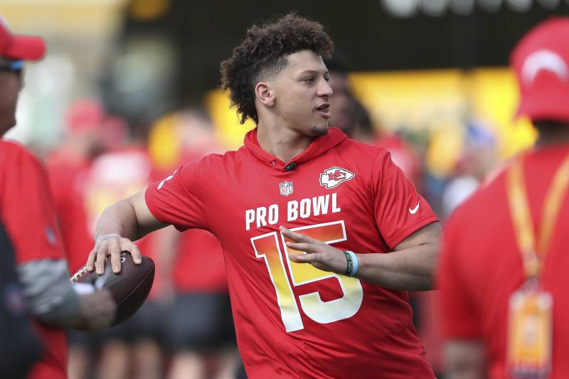 45a91067 AFC quarterback Patrick Mahomes (15) throws a pass during Pro Bowl NFL  football practice