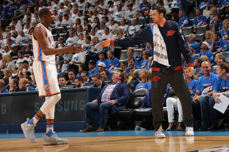 buy online 70d43 cfe24 Durant to Attend Collison's Thunder Jersey Retirement: 'Time ...
