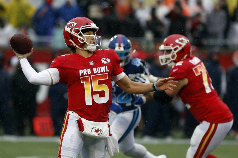 online retailer 917c4 006ef Patrick Mahomes Named Offensive MVP as AFC Dominates NFC at ...
