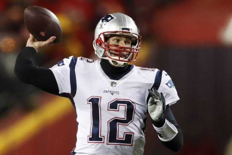 da86ca951e7 New England Patriots quarterback Tom Brady (12) throws a pass during the  first half
