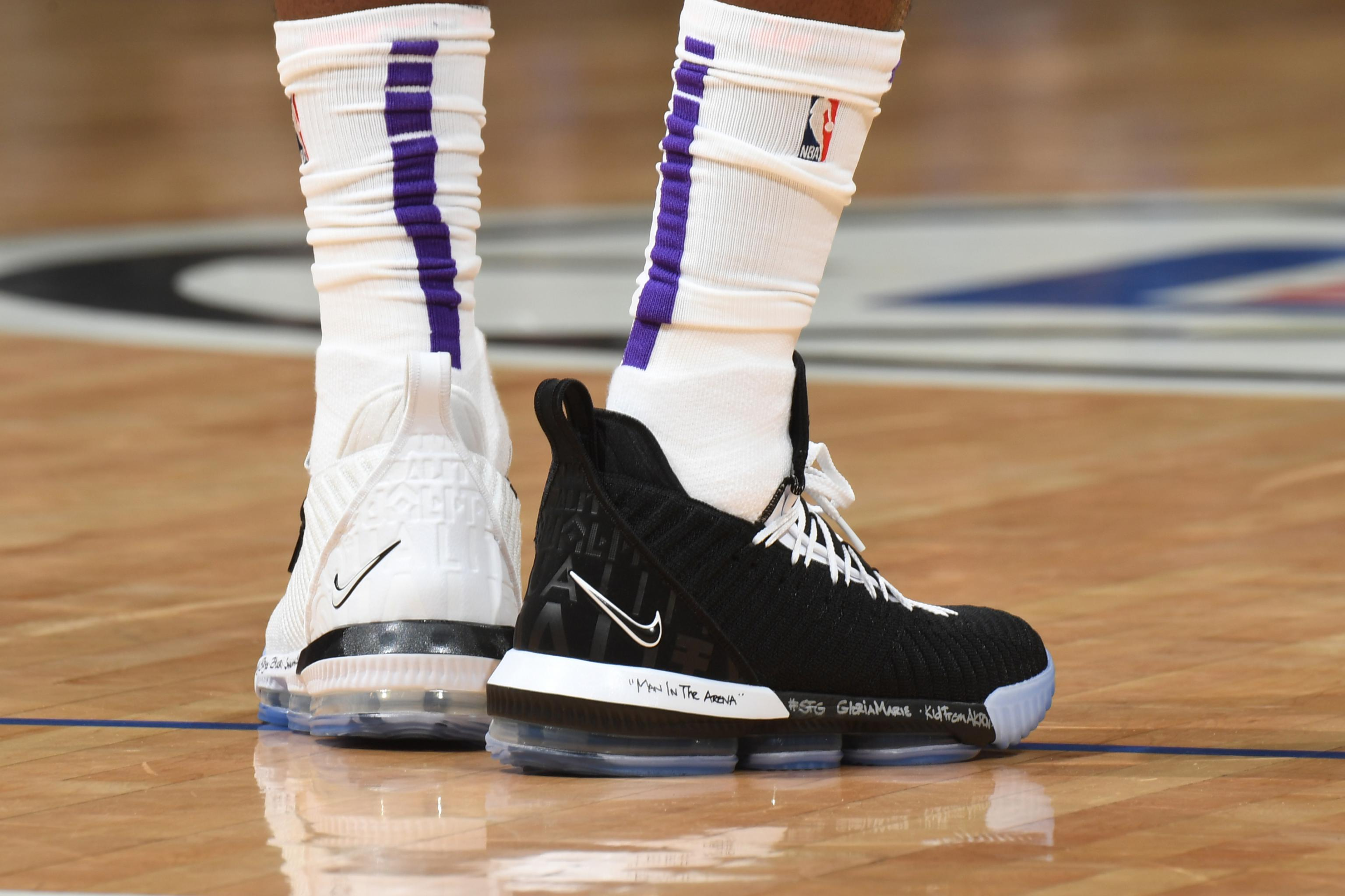 lowest price 5faea b2a53 NBA Kicks Nightly: LeBron Wears Equality 16, Montrezl Wears ...