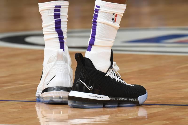 e16aa11116a NBA Kicks Nightly  LeBron Wears Equality 16