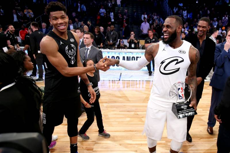 0a01d0c5112 Twitter Has Already Decided Who ll Win LeBron vs. Giannis 2019 NBA ...