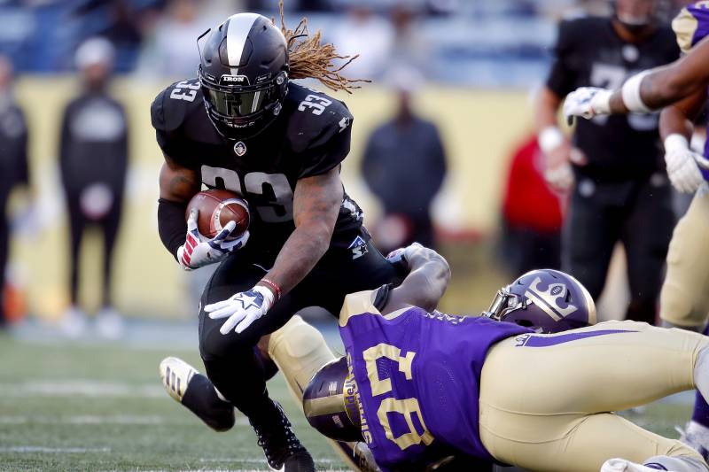 ATLANTA, GEORGIA - FEBRUARY 24: Trent Richardson #33 of Birmingham Iron runs the ball against the Atlanta Legends during the Alliance of American Football game at Georgia State Stadium on February 24, 2019 in Atlanta, Georgia. (Photo by Todd Kirkland/AAF/Getty Images)