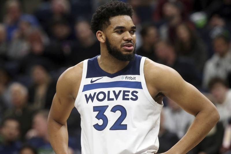 Minnesota Timberwolves' Karl-Anthony Towns plays against the Memphis Grizzlies in an NBA basketball game Wednesday, Jan. 30, 2019, in Minneapolis. (AP Photo/Jim Mone)