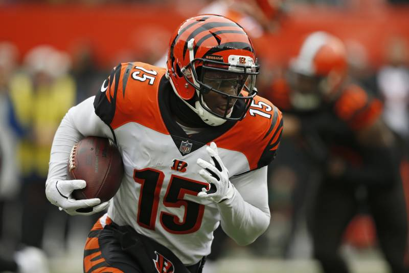 19b8b99a Cincinnati Bengals wide receiver John Ross (15) rushes during the first  half of an
