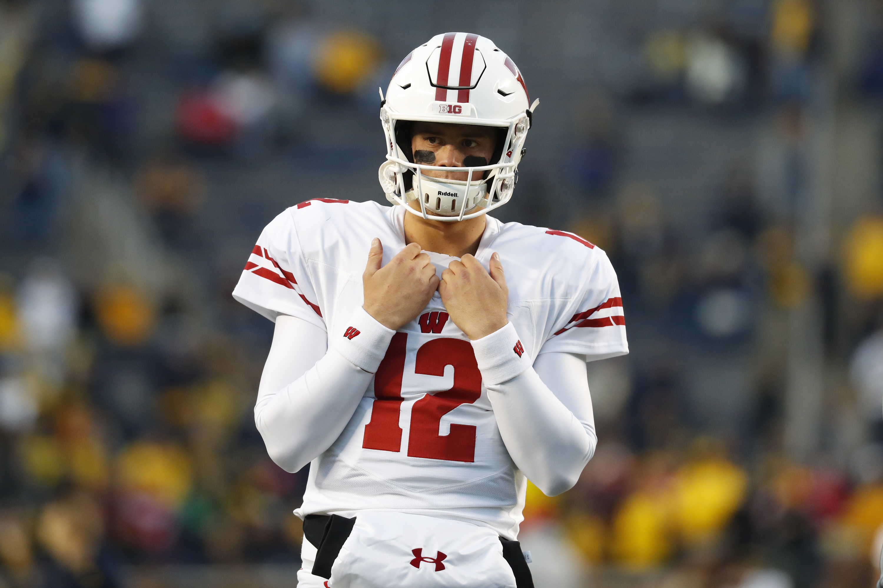 best loved b6abc dbc25 Wisconsin QB Alex Hornibrook Reportedly Enters NCAA Transfer ...