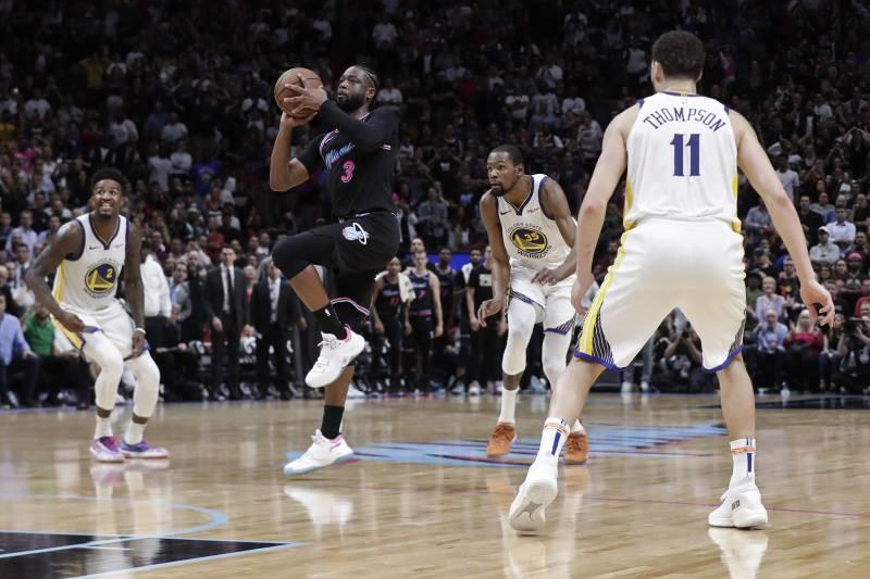 Dwyane Wade Didn't Travel on Game-Winning 3 vs  Warriors, Per NBA