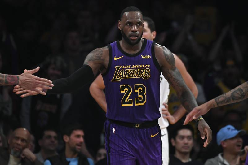 e7a03556f Lakers News  LeBron James Passes Kobe Bryant on NBA All-Time Made FG List