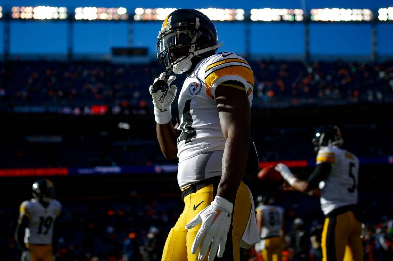 75b74de7ed6 NFL Trade Rumors  Antonio Brown Doesn t Interest Broncos   Not Worth ...