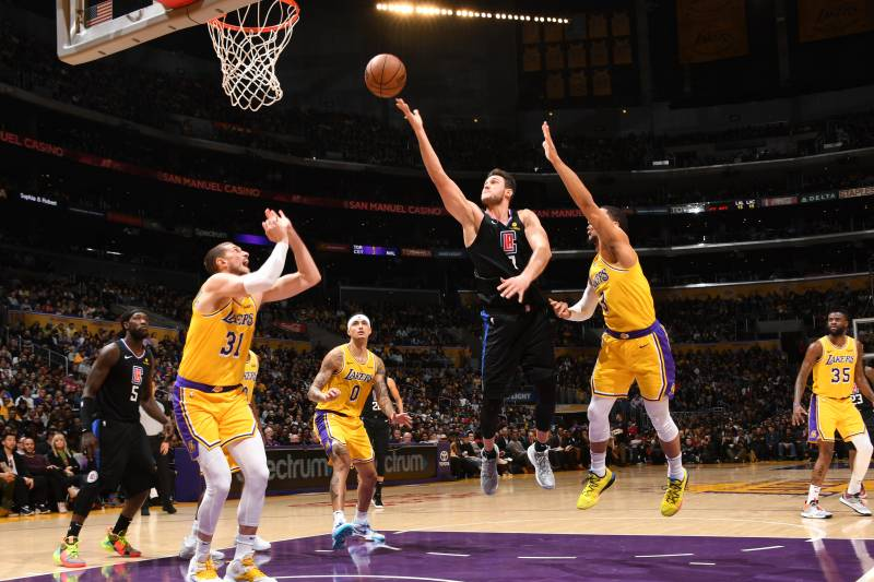 brand new 01f52 1d20c LeBron James, Slumping Lakers Fall Further Back in West with Loss vs.  Clippers