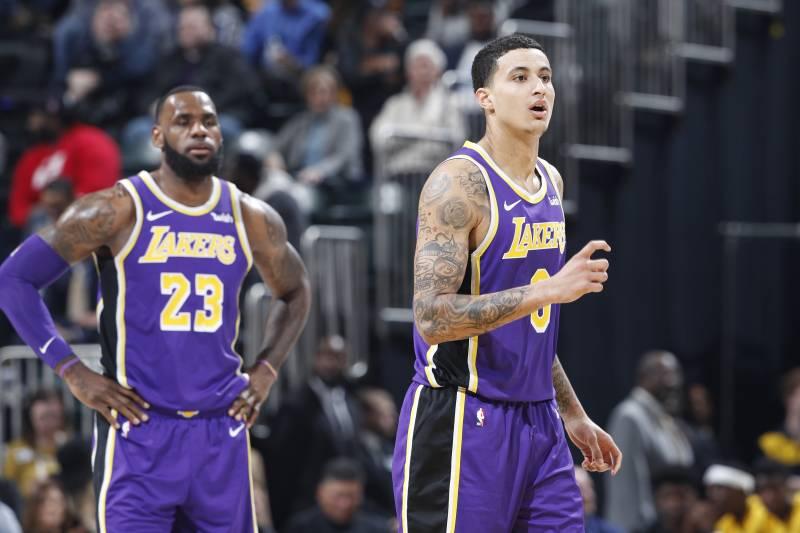 d97de8650d3e Watch Kyle Kuzma Shove LeBron James on Defense During Lakers  Loss ...