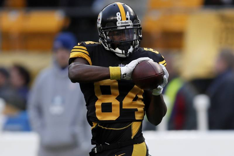 5c8b8b70816 Pittsburgh Steelers wide receiver Antonio Brown (84) warms up before an NFL  football game