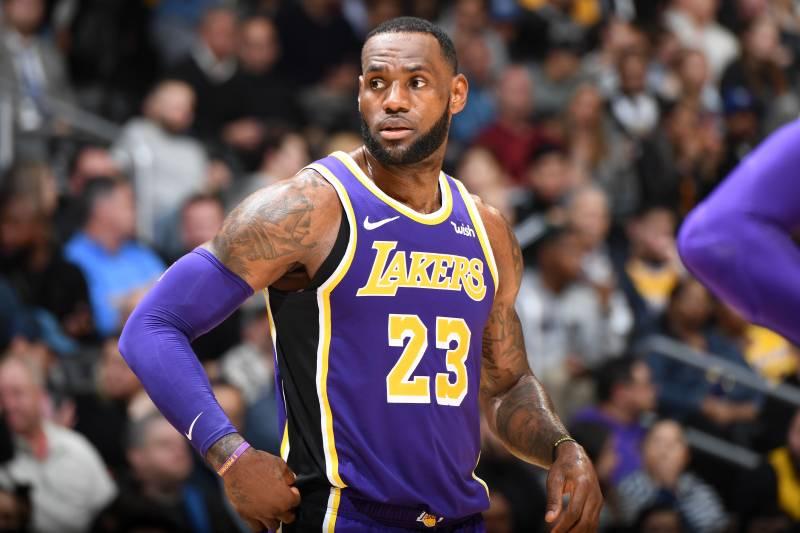 9e1528b5beb Lakers Rumors  LeBron James on Minutes Restriction