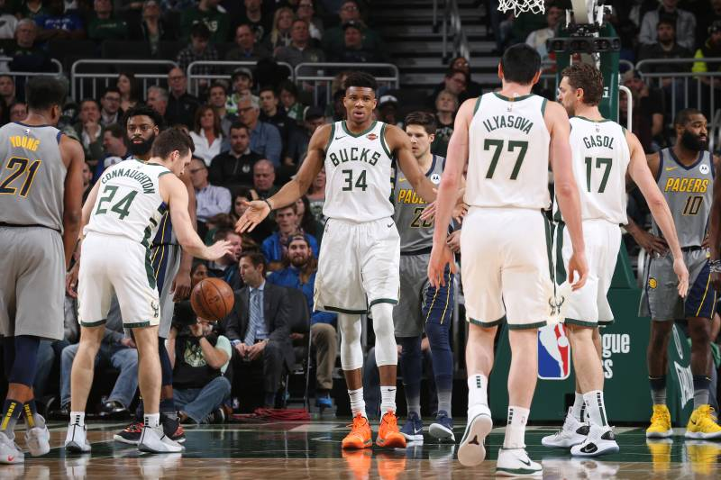 c2a14d04 MILWAUKEE, WI - MARCH 7: Giannis Antetokounmpo #34 of the Milwaukee Bucks hi