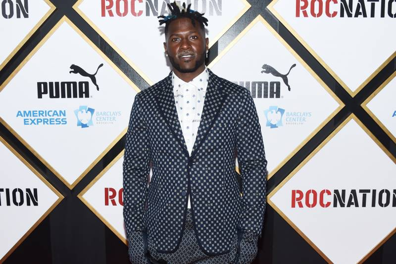 Antonio Brown Calls Reported Trade To Bills Fake News On