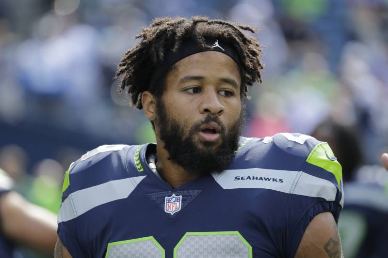 58a07588e4e NFL Rumors: Analyzing Free-Agent Buzz on Earl Thomas, Le'Veon Bell and More