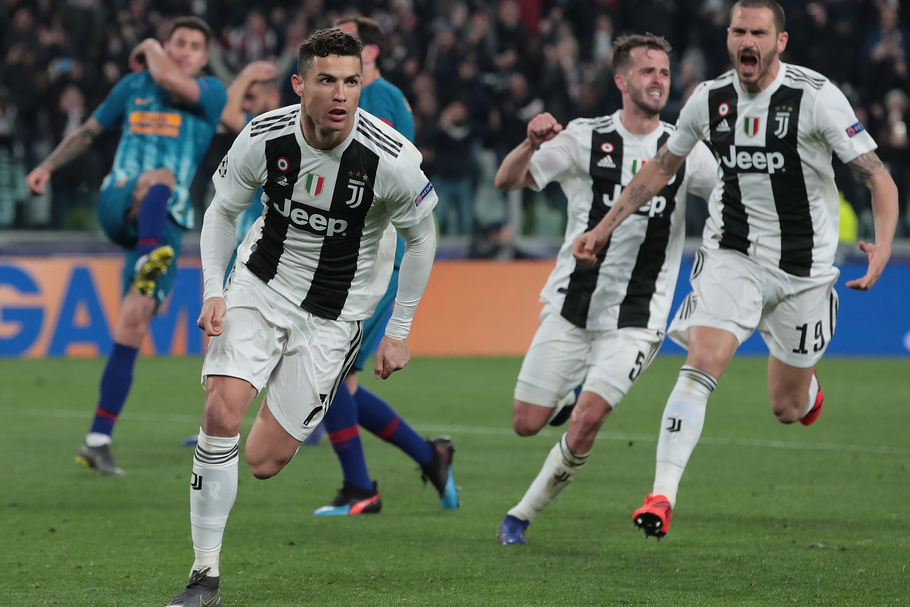 Cristiano Ronaldo's Hat Trick Lead Juventus to Win vs. Atletico Madrid in  UCL | Bleacher Report | Latest News, Videos and Highlights
