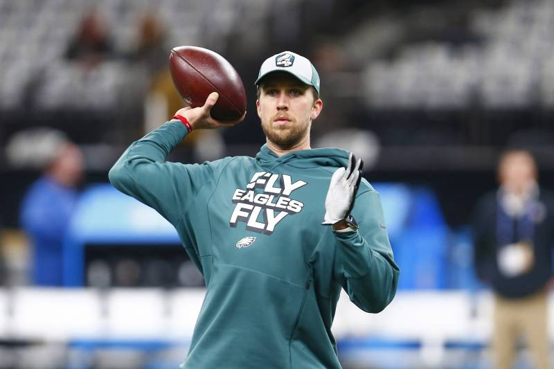 dd999626018 Philadelphia Eagles quarterback Nick Foles warms up before an NFL  divisional playoff football game against the