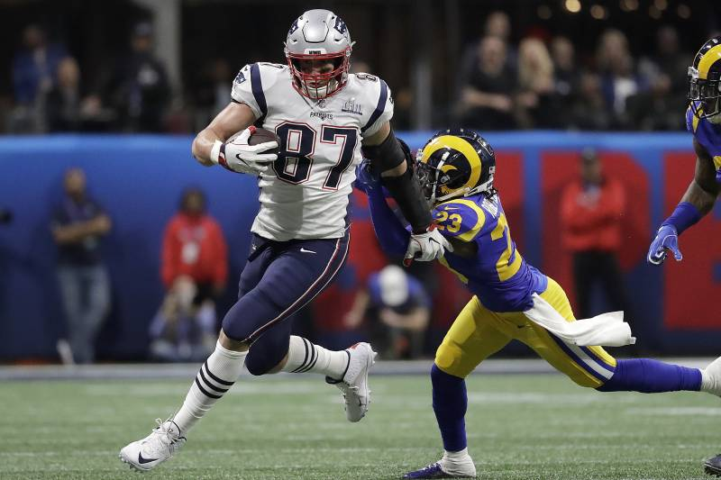 New England Patriots  Rob Gronkowski (87) runs against Los Angeles Rams   Nickell 86589c2328ff