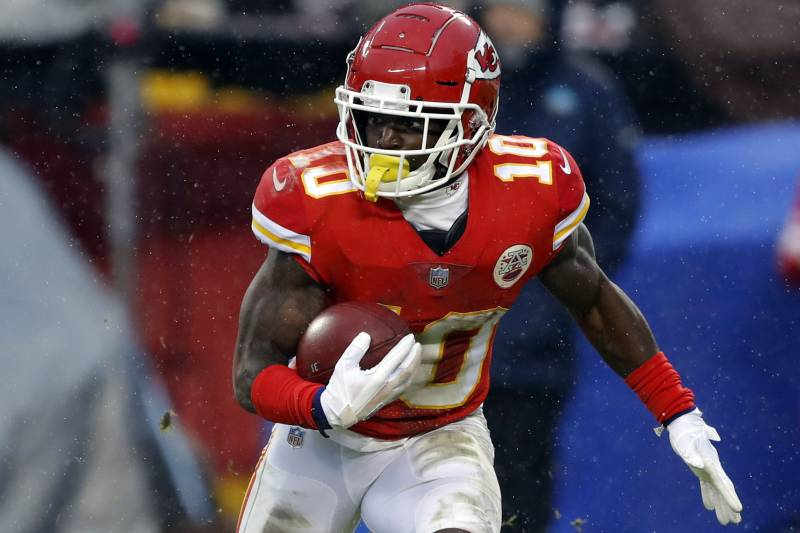 online retailer a5c5b 492e1 Tyreek Hill Trade Rumors: Chiefs WR Discussed in Talks to ...