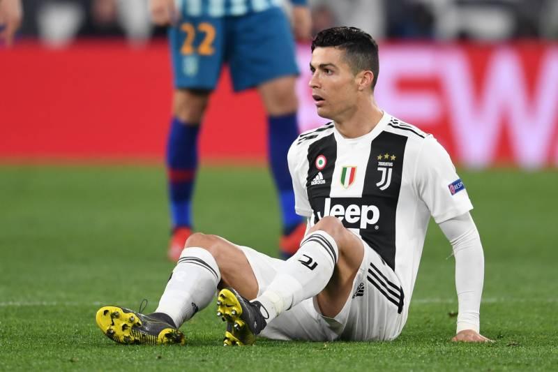 buy popular a9b58 99048 Cristiano Ronaldo Diagnosed with Minor Flexor Injury Ahead ...