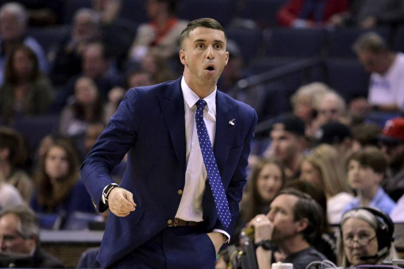 Report Timberwolves Expected To Keep Hc Ryan Saunders Despite