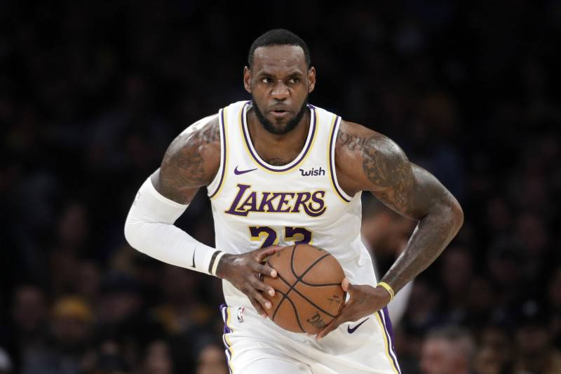 fa23eaf8f81 LeBron James Jokes He Almost Missed Lakers Game for Chris Bosh Jersey  Retirement