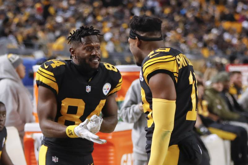 new style a3ca1 7e382 JuJu Smith-Schuster Fires Back at Antonio Brown After WR ...