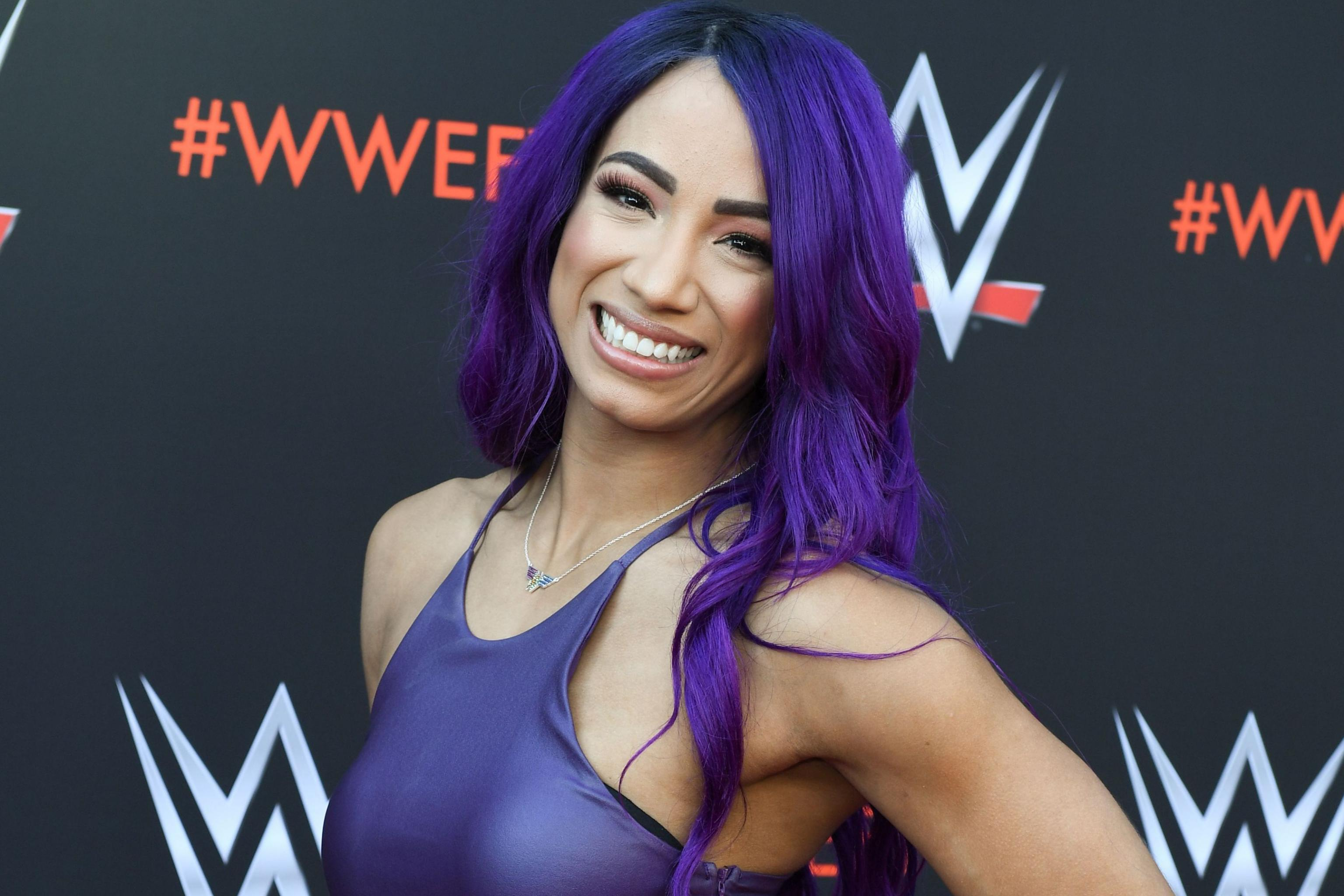Watch Blue Haired Sasha Banks Attack Natalya Becky Lynch In Epic Wwe Raw Return Bleacher Report Latest News Videos And Highlights