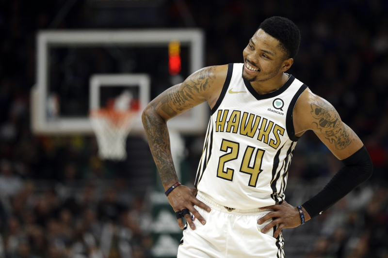 75d76269419c Hawks  Kent Bazemore Reportedly Will Opt into  19 Million Contract Option