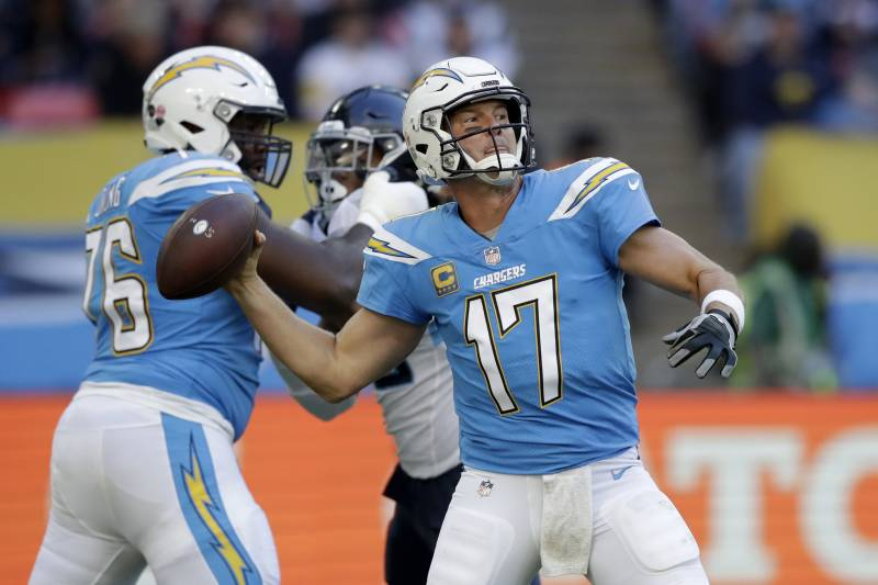 the best attitude 48d3b 7806b Look: Chargers Announce Powder Blue Jerseys as Primary ...