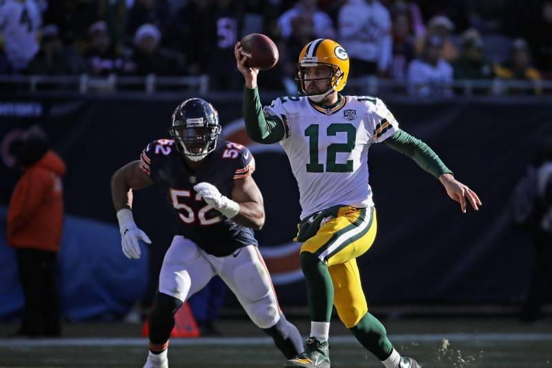 f8939c42877 CHICAGO, IL - DECEMBER 16: Aaron Rodgers #12 of the Green Bay Packers