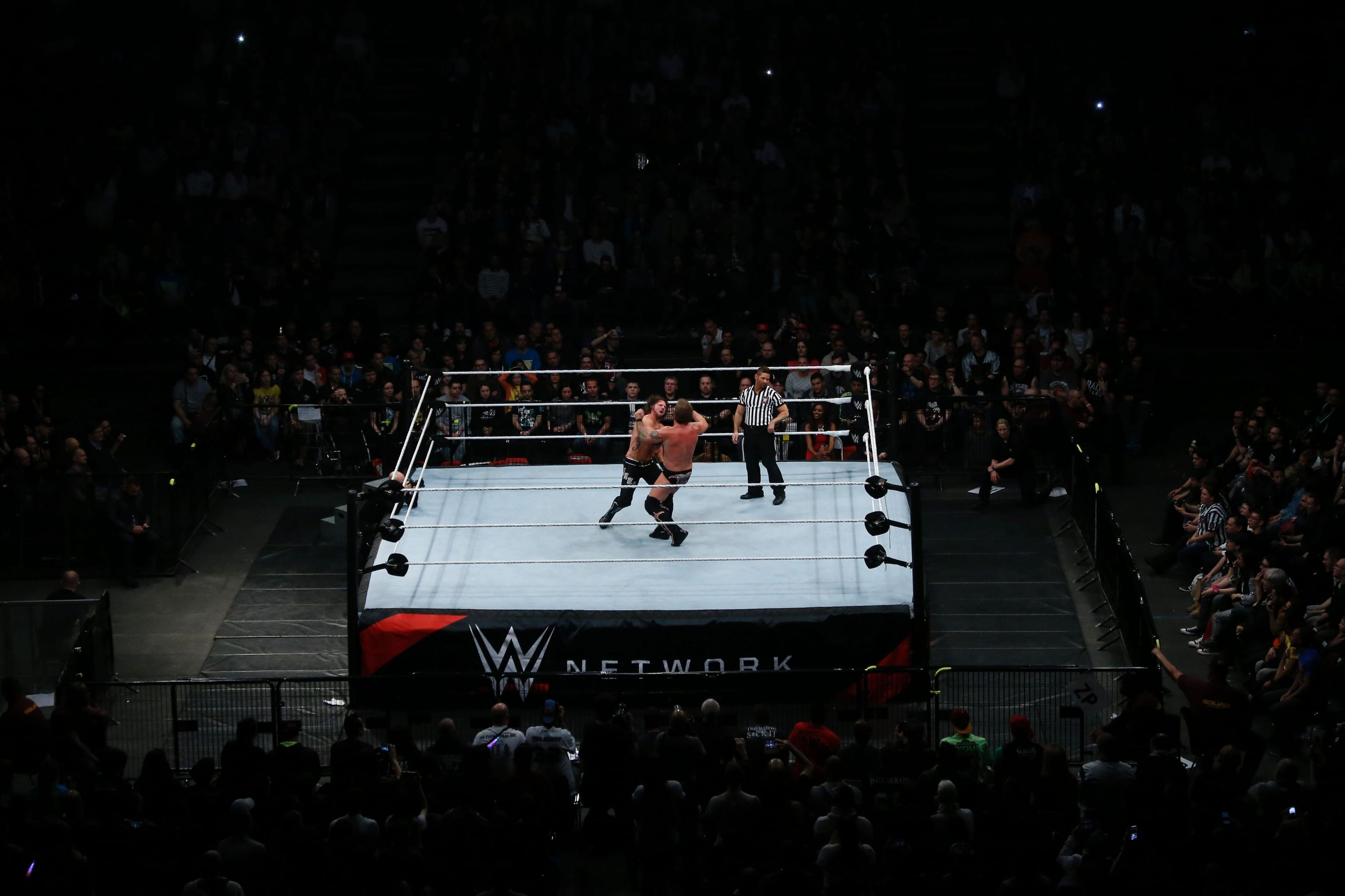 WWE NXT Referee Tom Castor Finishes Match After Breaking Leg on Video