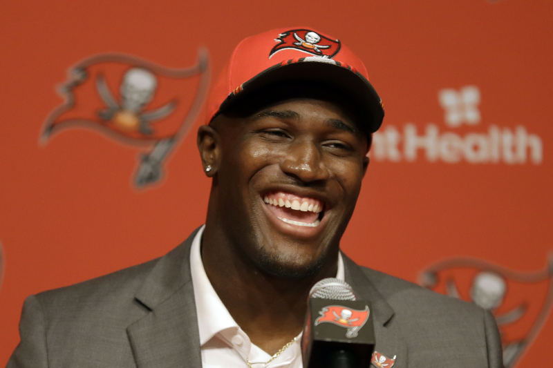 Devin White Agrees to 4-Year Rookie Contract with Buccaneers