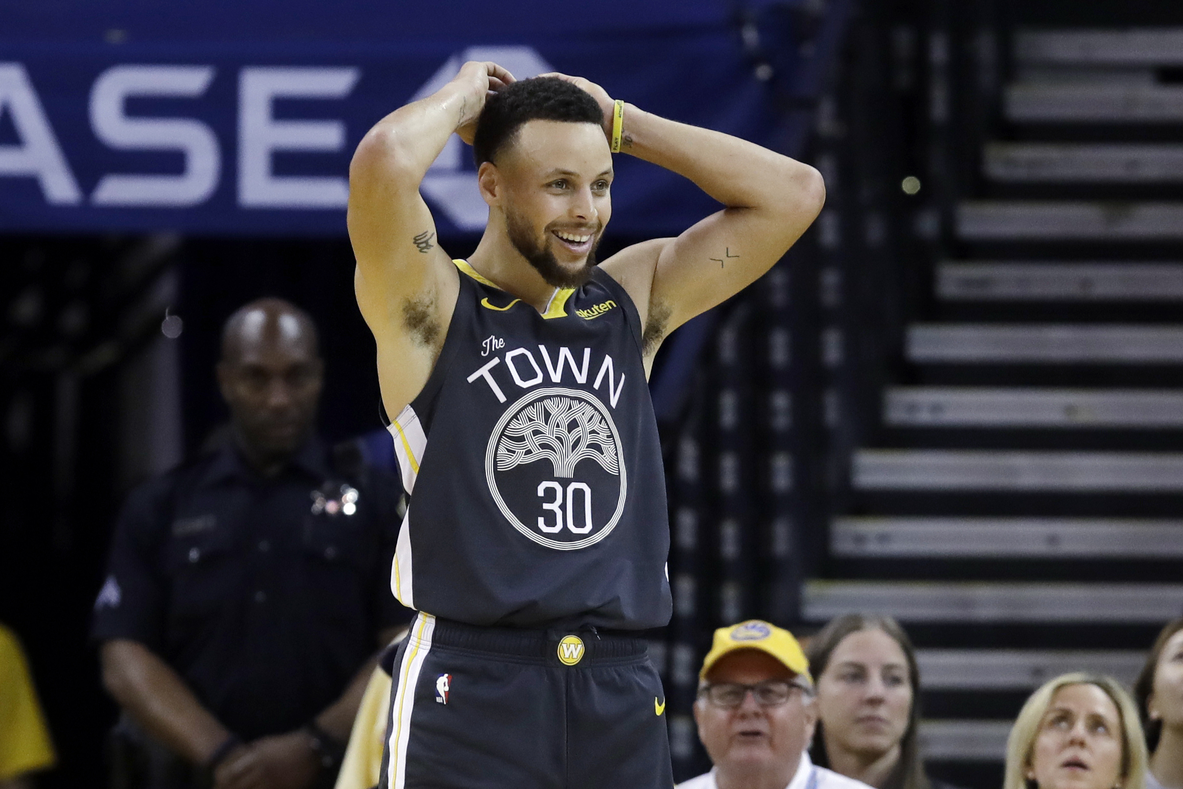 d6b8a477b015e Steph Curry Expected to Play in Warriors vs. Rockets Game 3 After Finger  Injury