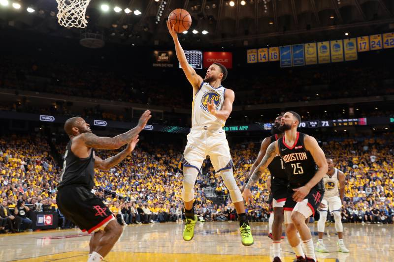 812a8cef5455 Stephen Curry Leads Warriors Past Rockets in Game 5 Despite Kevin ...
