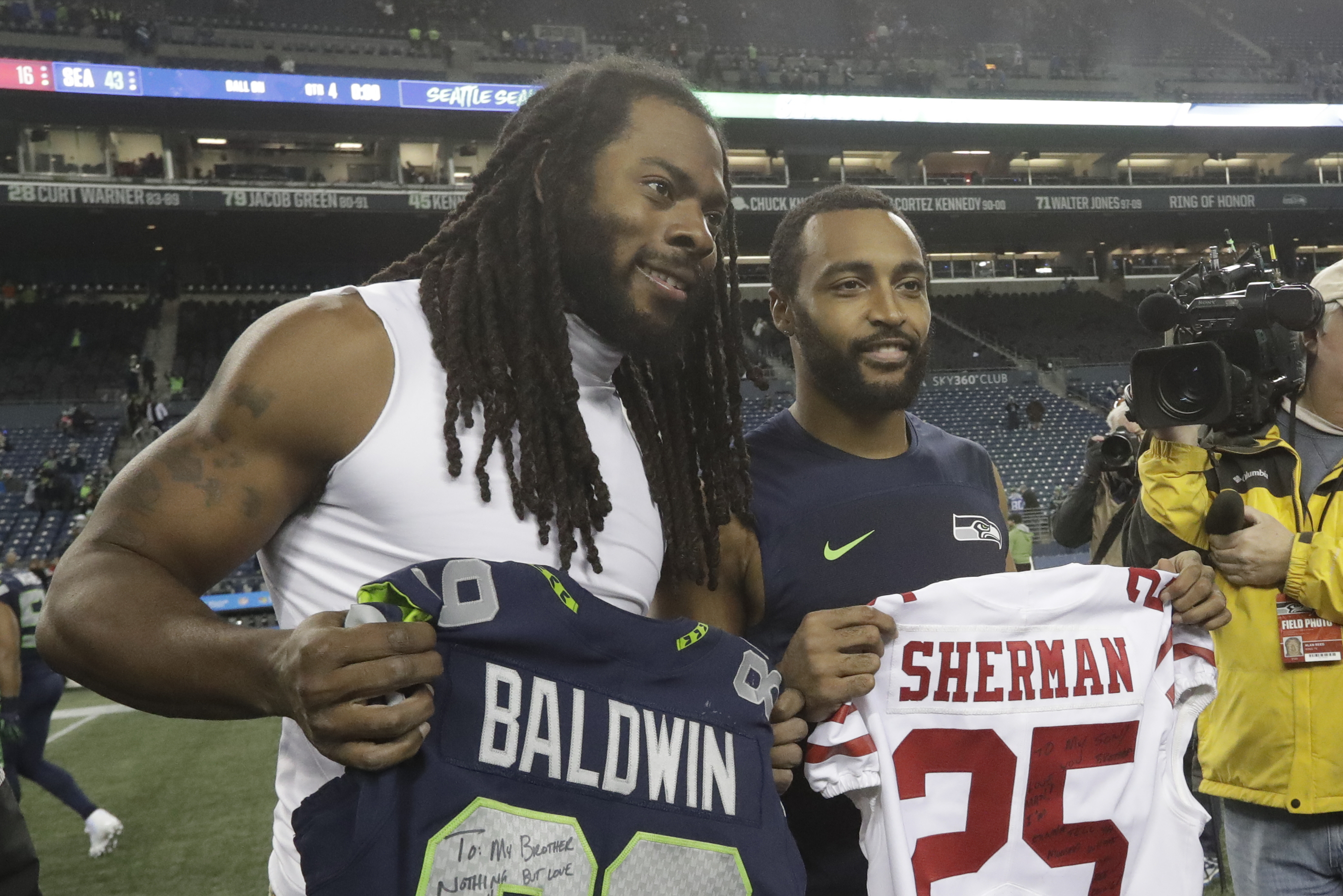 sale retailer 57b06 895b7 Richard Sherman: 'Been an Honor' to Play with Doug Baldwin ...